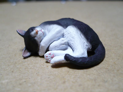 猫のガチャガチャ大人猫